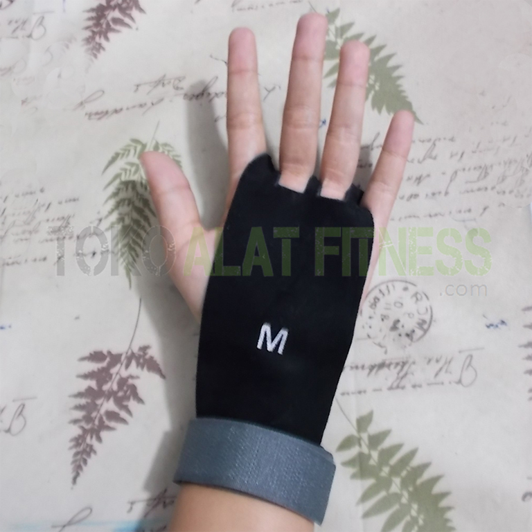 Weight Lifting WRIST WARPS 4 - Weight Lifting Wrist Wraps M Body Gym