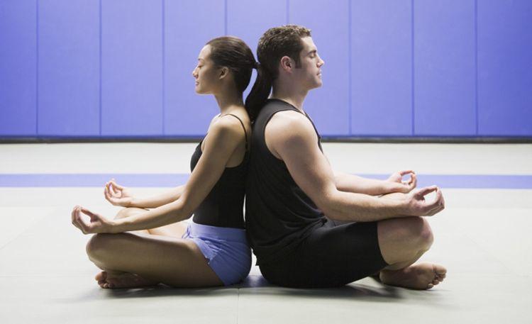 TOKO ALAT FITNESS ARTIKEL 9 POSE YOGA DILAKUKAN DENGAN PASANGAN 9 - 9 Pose Yoga Ini Bisa Dilakukan Bareng Pasangan!