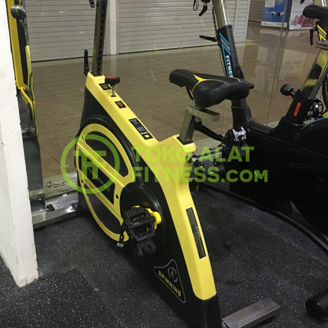 Toko Alat Fitness Premium Quality Spinning Bike BGD600C WTM 2 - Spinning Bike BGD600C Body Gym
